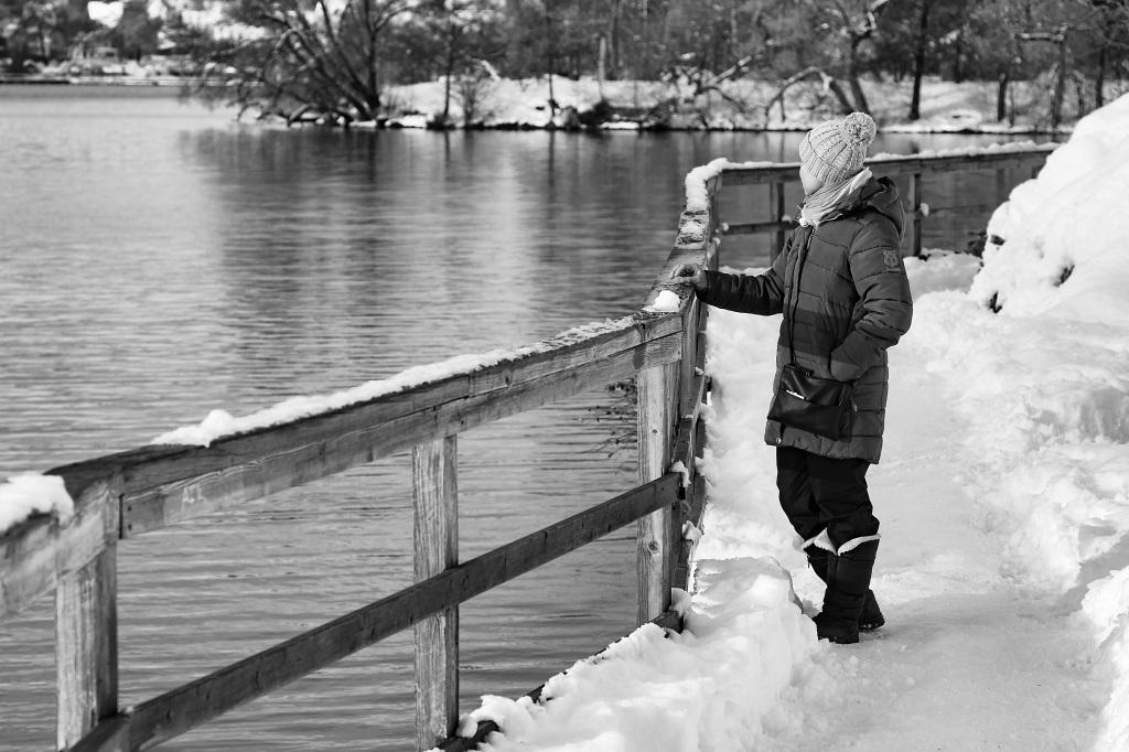woman-on-riverbank
